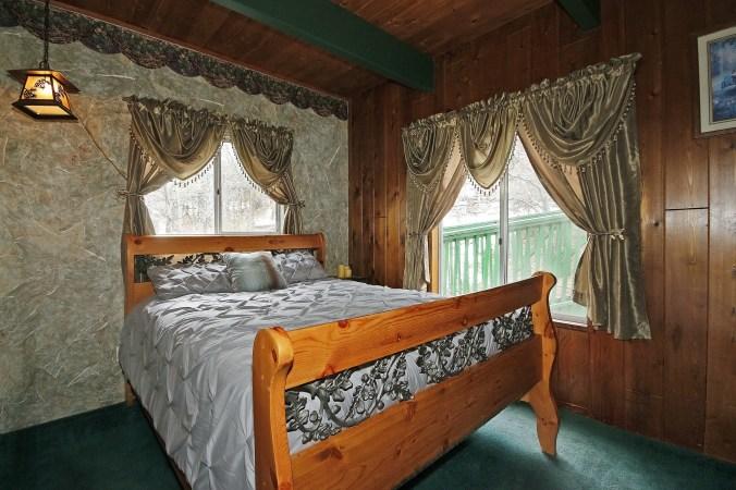 026_Bedroom