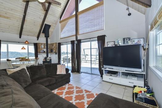 004_Living Room
