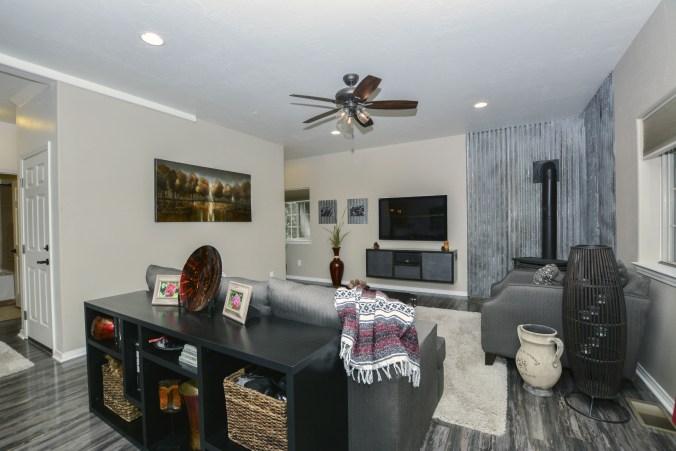 002_Living Room